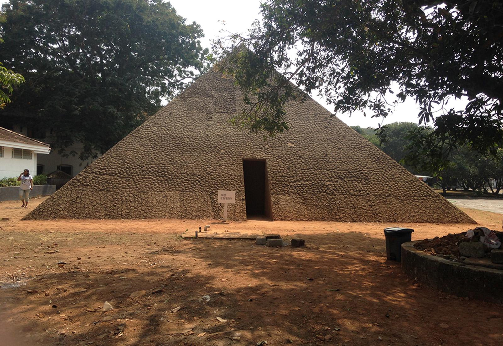 Biennale-pyramid